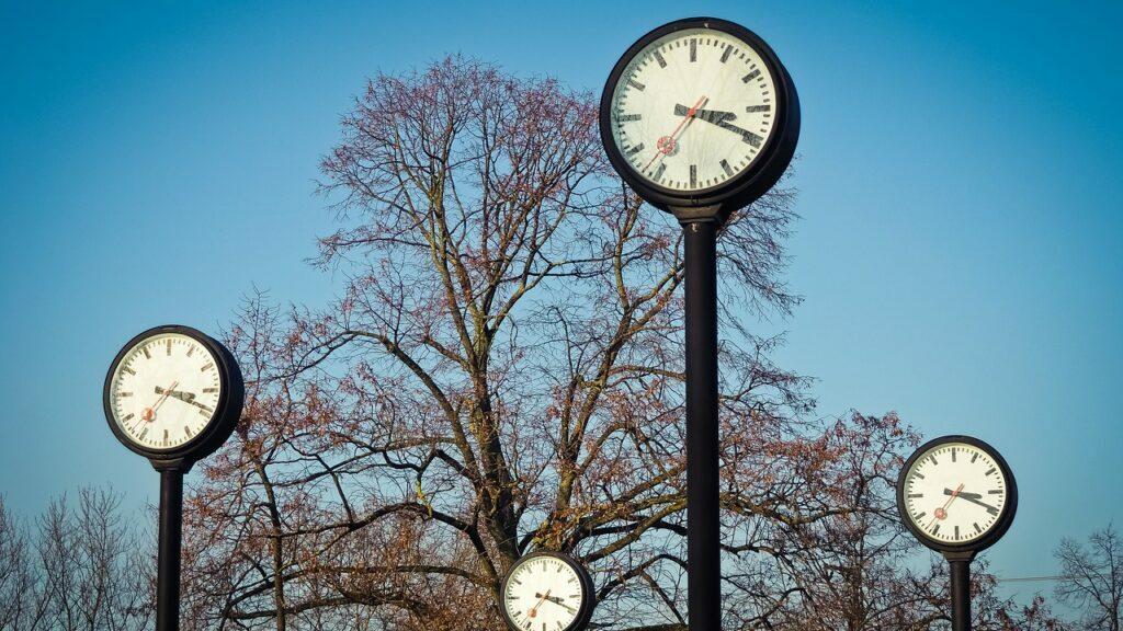 curiosidades sobre escribir y relojes